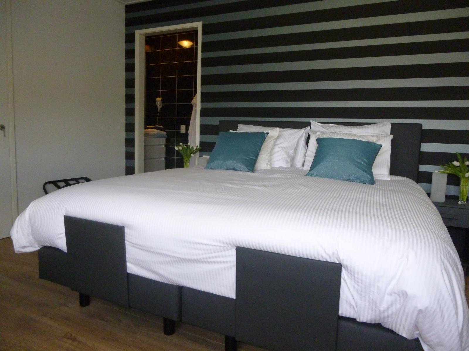 Kamer 1 de langenlee bed and breakfast zwolle - In een kamer ...